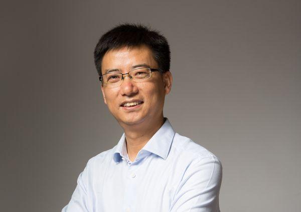 商业界最帅的总裁_阿里云总裁胡晓明当选年度商业人物 新技术叩开2017的